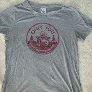 Tops - Cute smokey the bear tshirt
